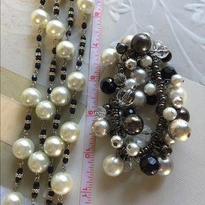 Jewelry - B17.  Faux pearl necklace/bracelet